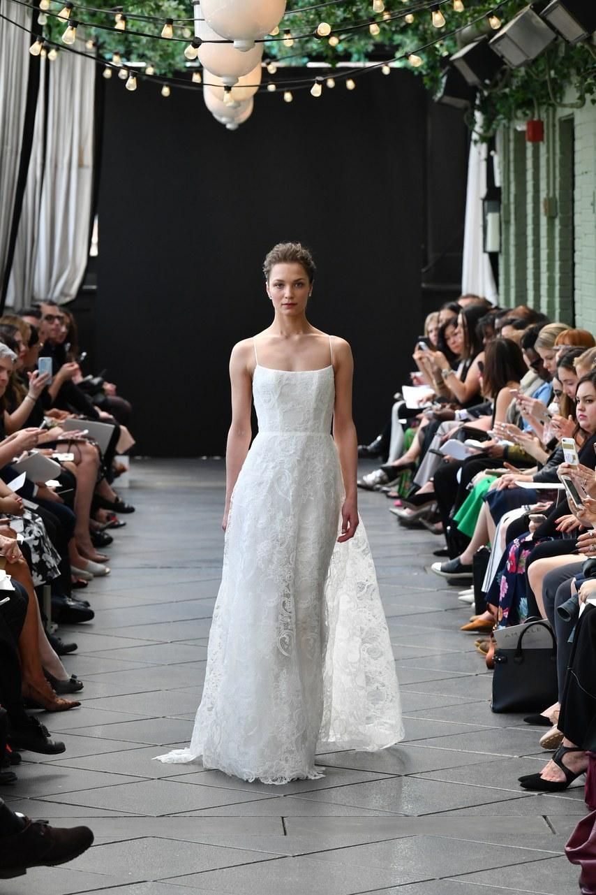 Svadobné šaty z kolekcií na rok 2019 - Obrázok č. 70