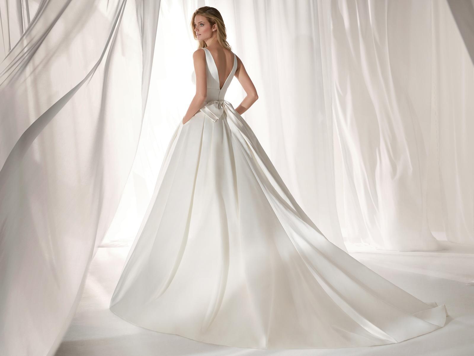 Svadobné šaty z kolekcií na rok 2019 - Obrázok č. 81