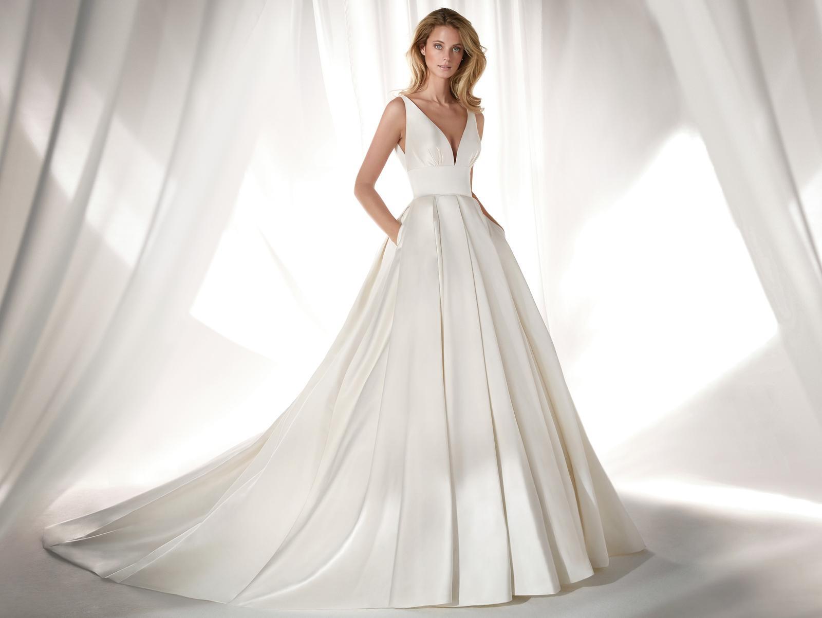 Svadobné šaty z kolekcií na rok 2019 - Obrázok č. 82