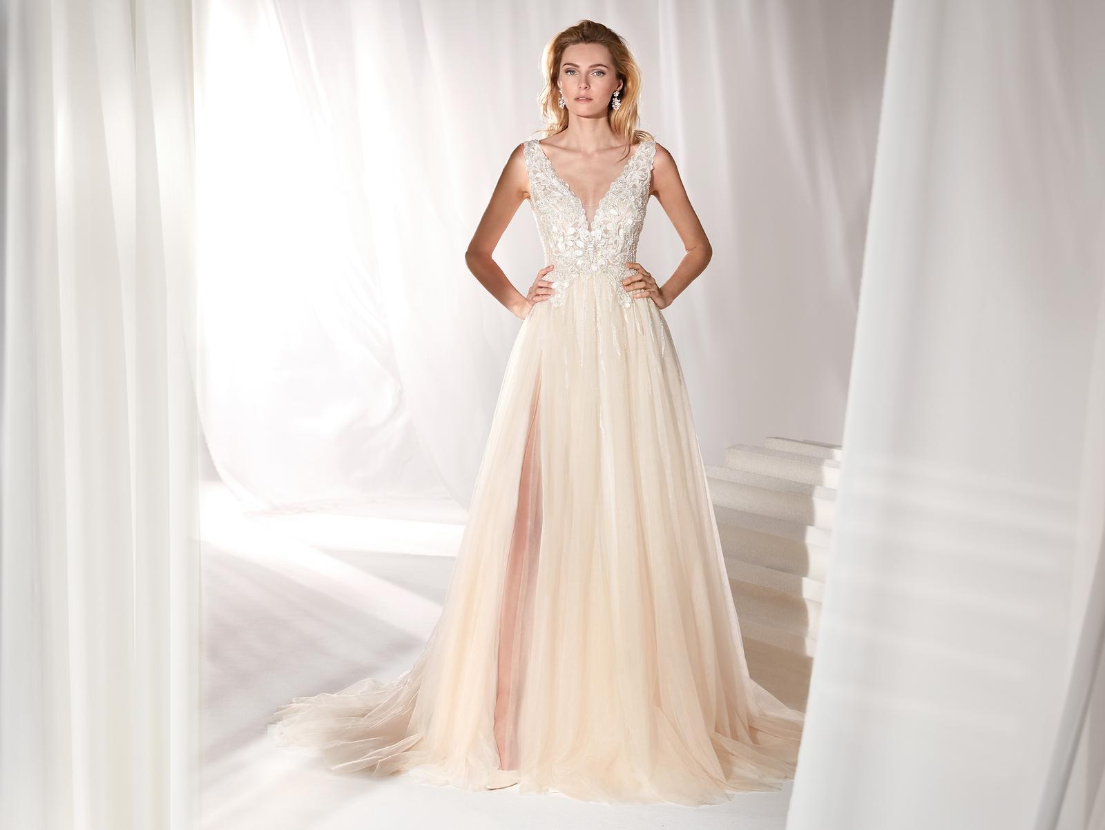 Svadobné šaty z kolekcií na rok 2019 - Obrázok č. 92