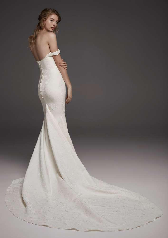 Atelier Pronovias * Svadobné šaty z kolekcií na rok 2019 - Obrázok č. 21