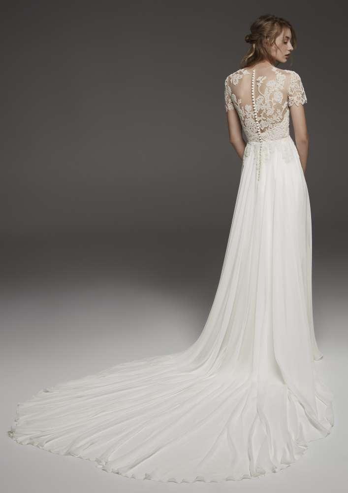 Atelier Pronovias * Svadobné šaty z kolekcií na rok 2019 - Obrázok č. 26