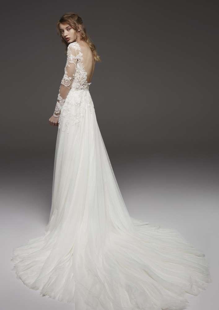 Atelier Pronovias * Svadobné šaty z kolekcií na rok 2019 - Obrázok č. 27