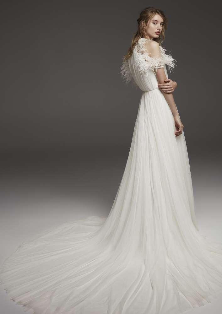 Atelier Pronovias * Svadobné šaty z kolekcií na rok 2019 - Obrázok č. 34