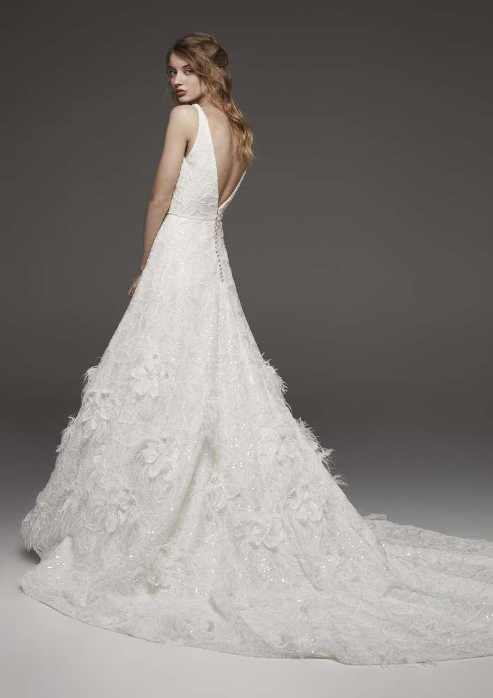 Atelier Pronovias * Svadobné šaty z kolekcií na rok 2019 - Obrázok č. 37