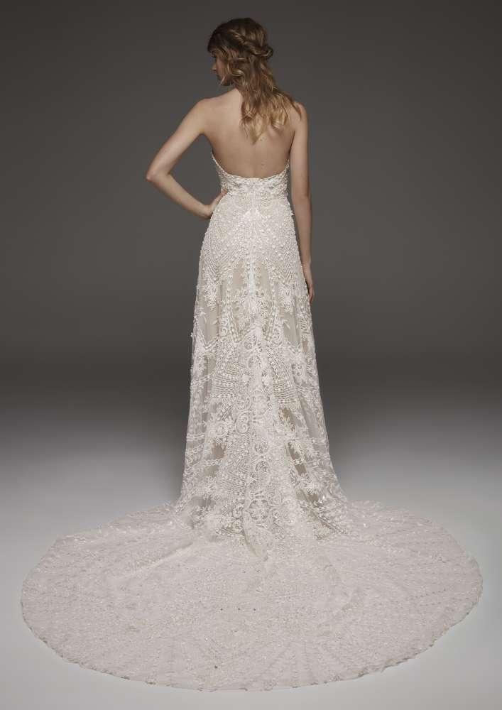 Atelier Pronovias * Svadobné šaty z kolekcií na rok 2019 - Obrázok č. 46