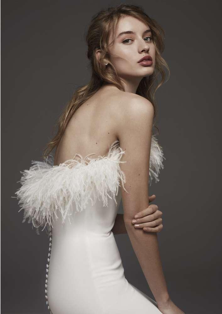 Atelier Pronovias * Svadobné šaty z kolekcií na rok 2019 - Obrázok č. 55