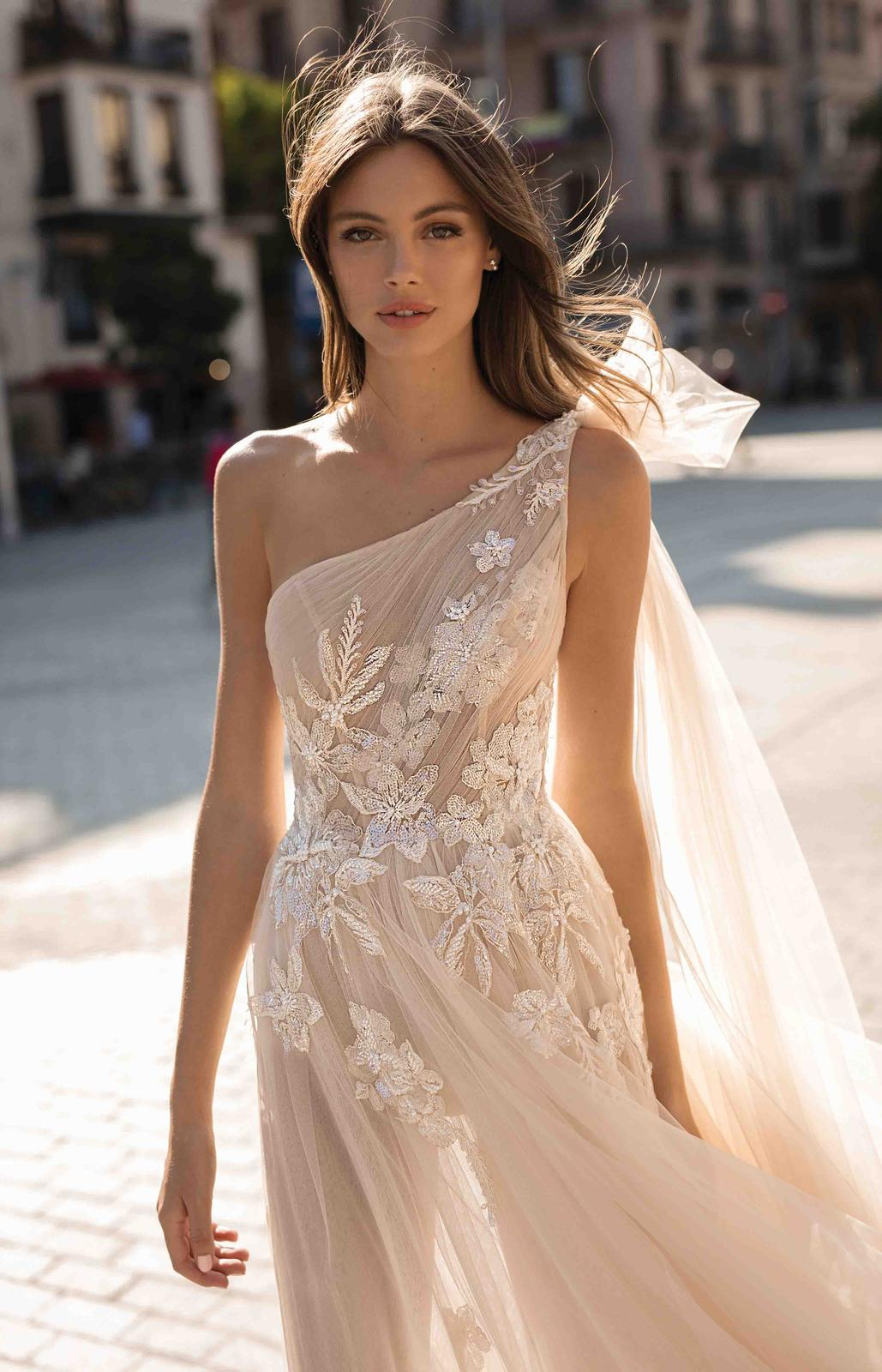 Muse by Berta * Svadobné šaty z kolekcií na rok 2019 - Obrázok č. 4
