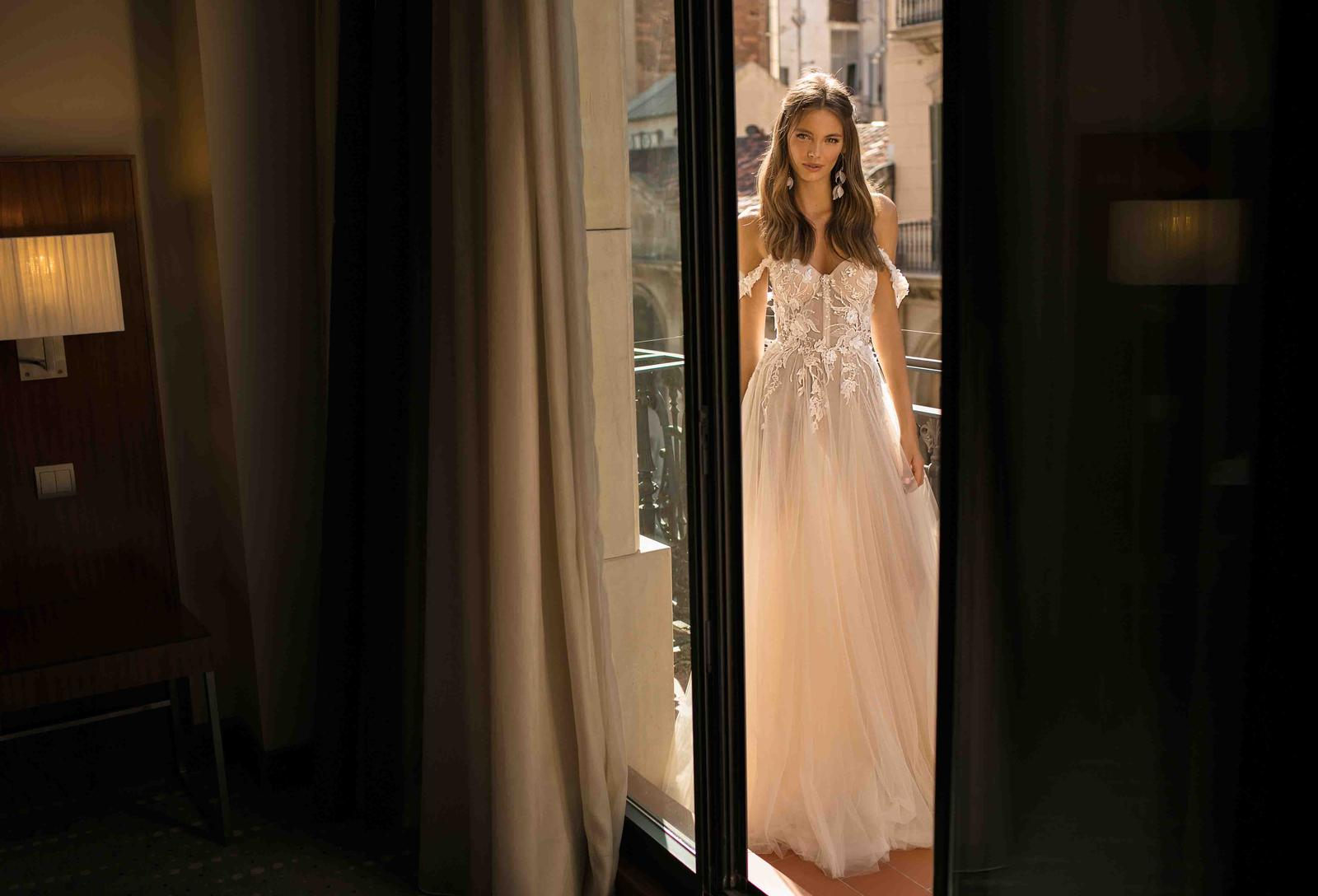Muse by Berta * Svadobné šaty z kolekcií na rok 2019 - Obrázok č. 8
