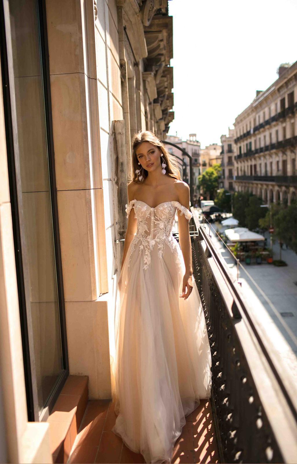 Muse by Berta * Svadobné šaty z kolekcií na rok 2019 - Obrázok č. 10