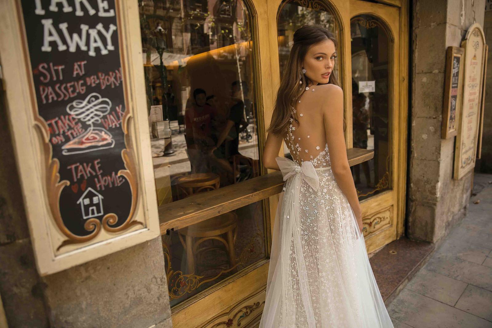 Muse by Berta * Svadobné šaty z kolekcií na rok 2019 - Obrázok č. 15