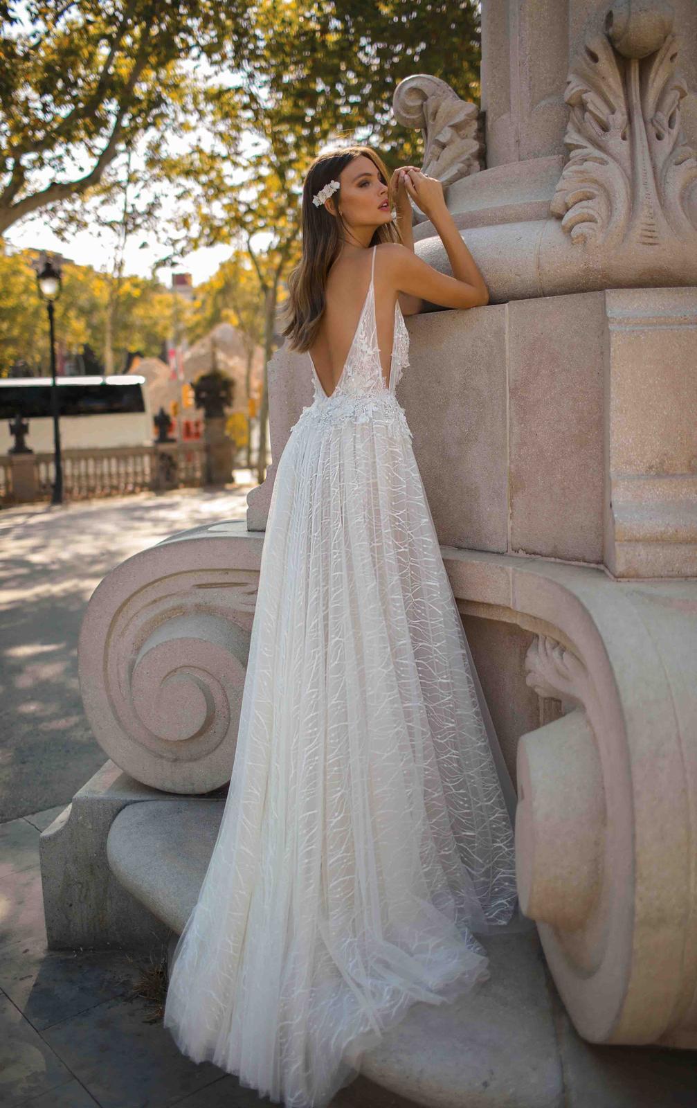 Muse by Berta * Svadobné šaty z kolekcií na rok 2019 - Obrázok č. 27