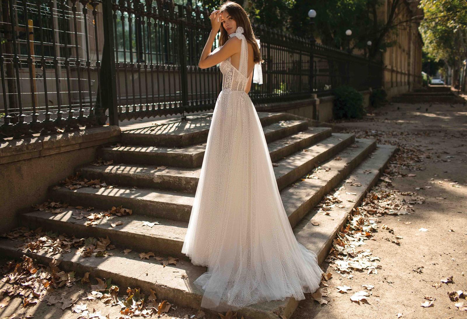 Muse by Berta * Svadobné šaty z kolekcií na rok 2019 - Obrázok č. 28