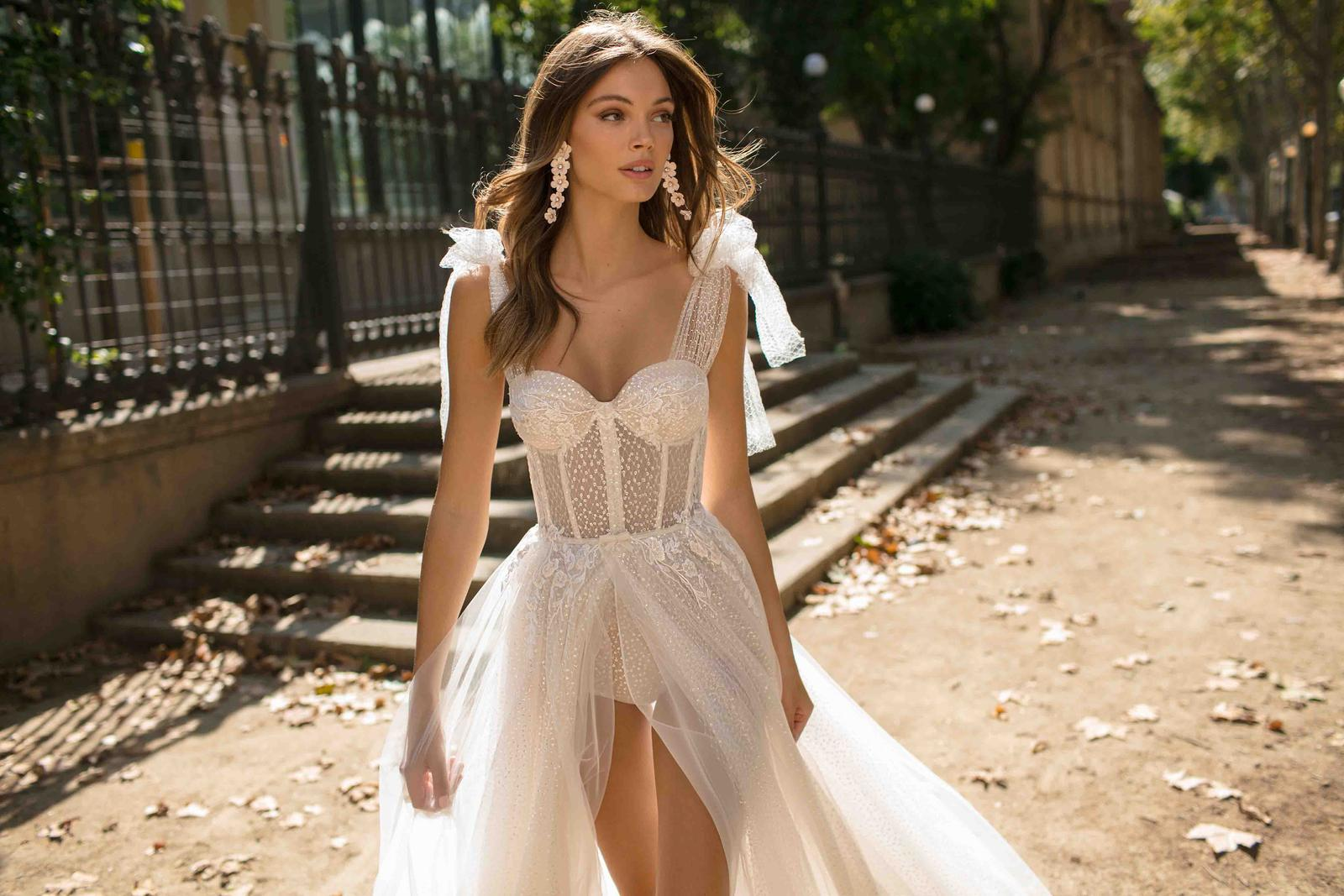 Muse by Berta * Svadobné šaty z kolekcií na rok 2019 - Obrázok č. 29