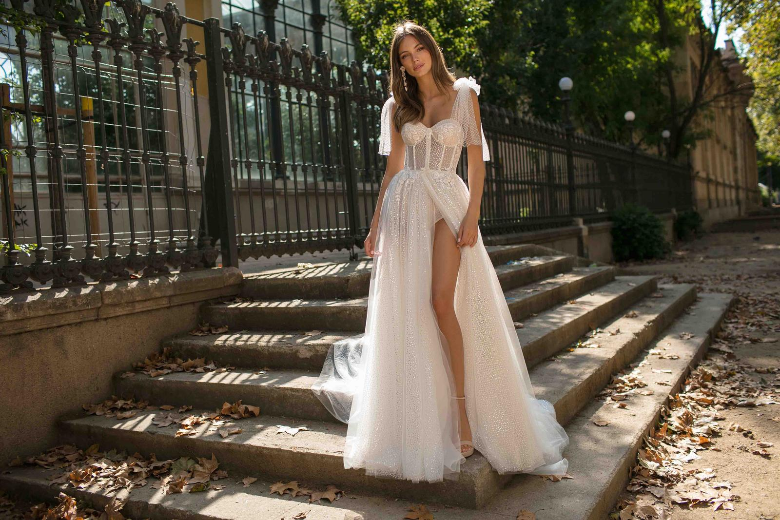 Muse by Berta * Svadobné šaty z kolekcií na rok 2019 - Obrázok č. 30