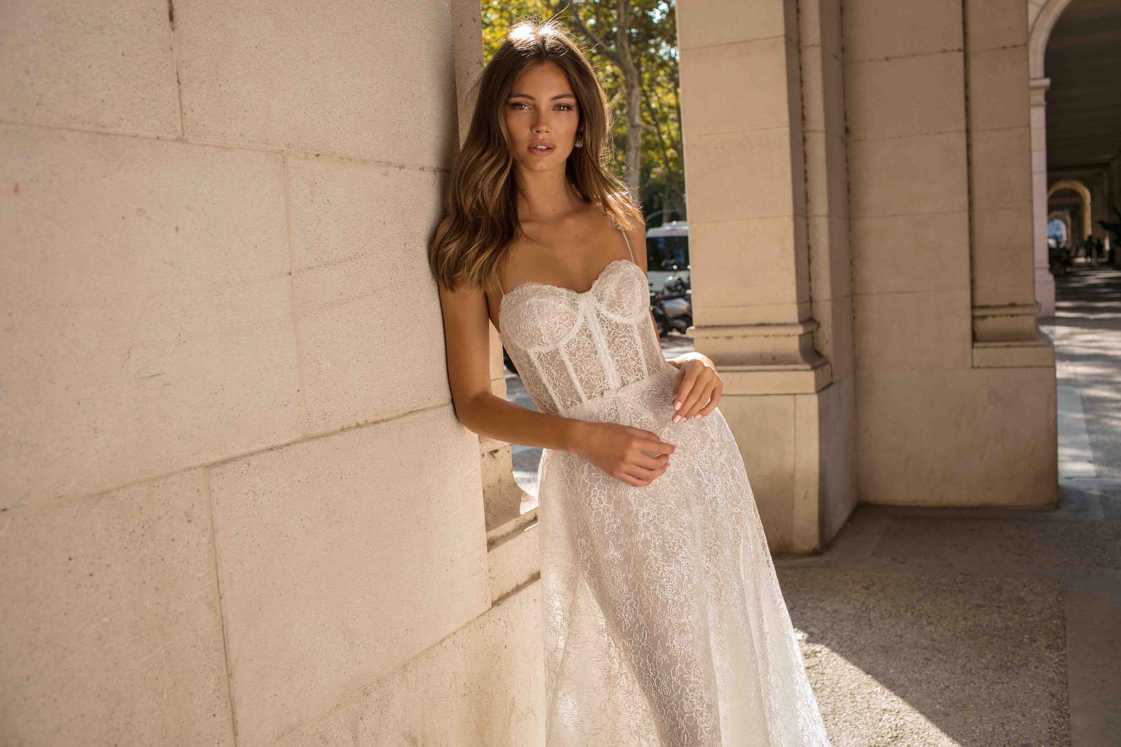 Muse by Berta * Svadobné šaty z kolekcií na rok 2019 - Obrázok č. 32