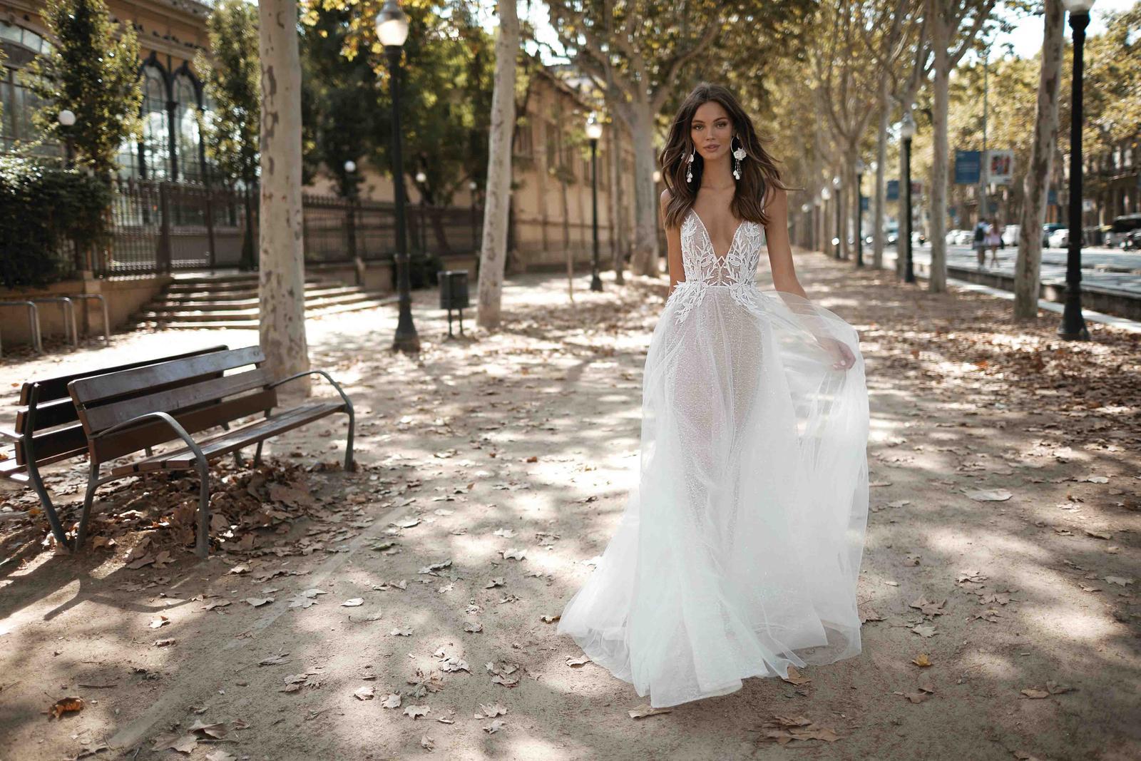 Muse by Berta * Svadobné šaty z kolekcií na rok 2019 - Obrázok č. 35