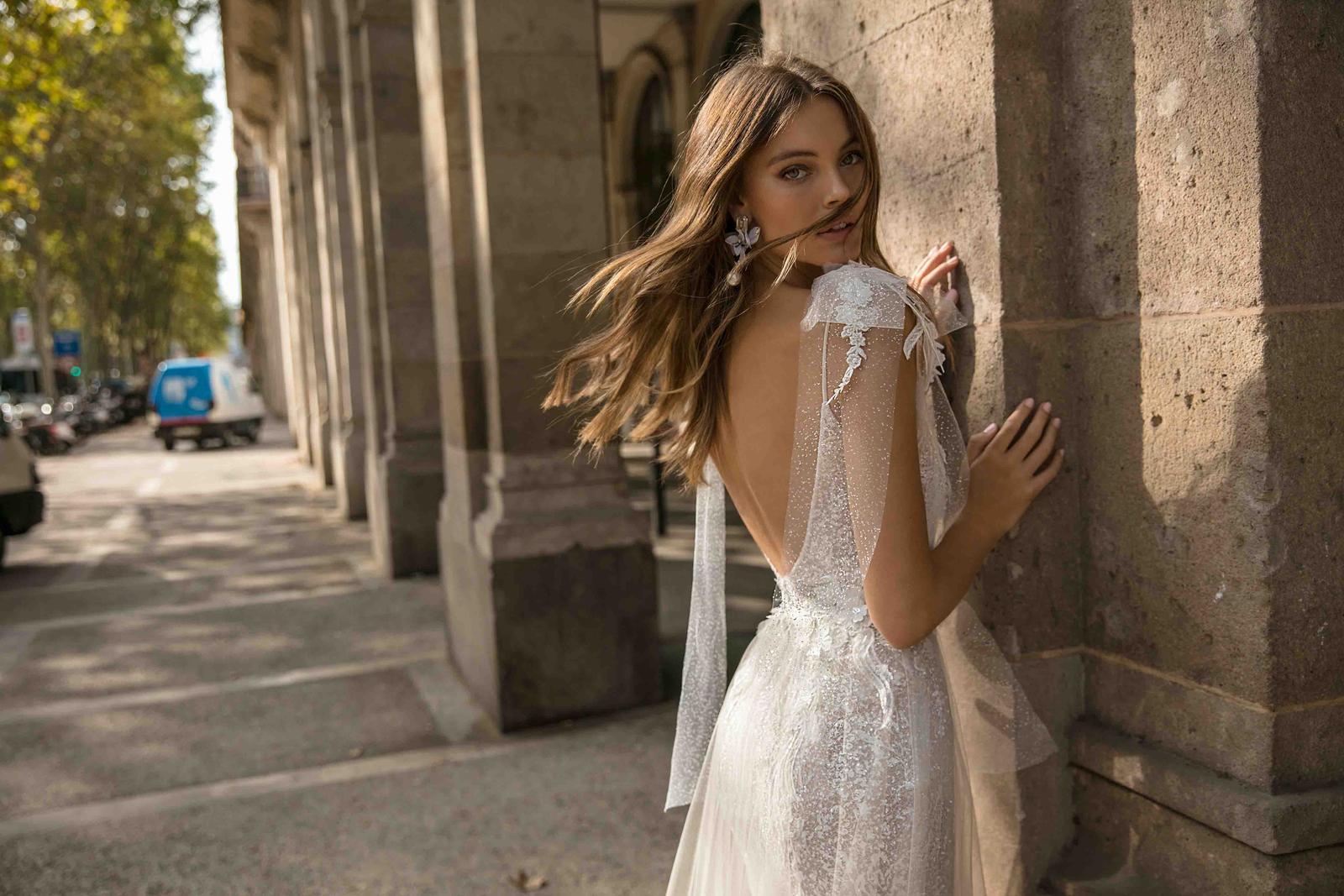Muse by Berta * Svadobné šaty z kolekcií na rok 2019 - Obrázok č. 38