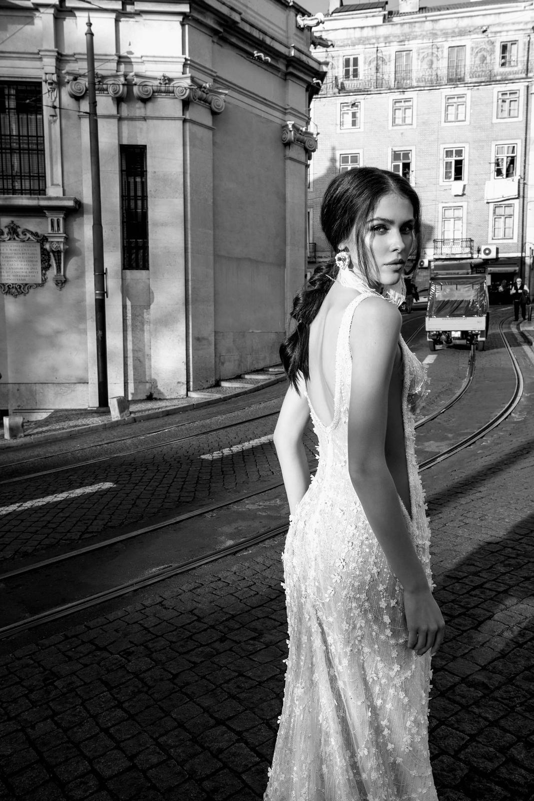 Innocentia Divina 2019 * Svadobné šaty z kolekcií na rok 2019 - Obrázok č. 31