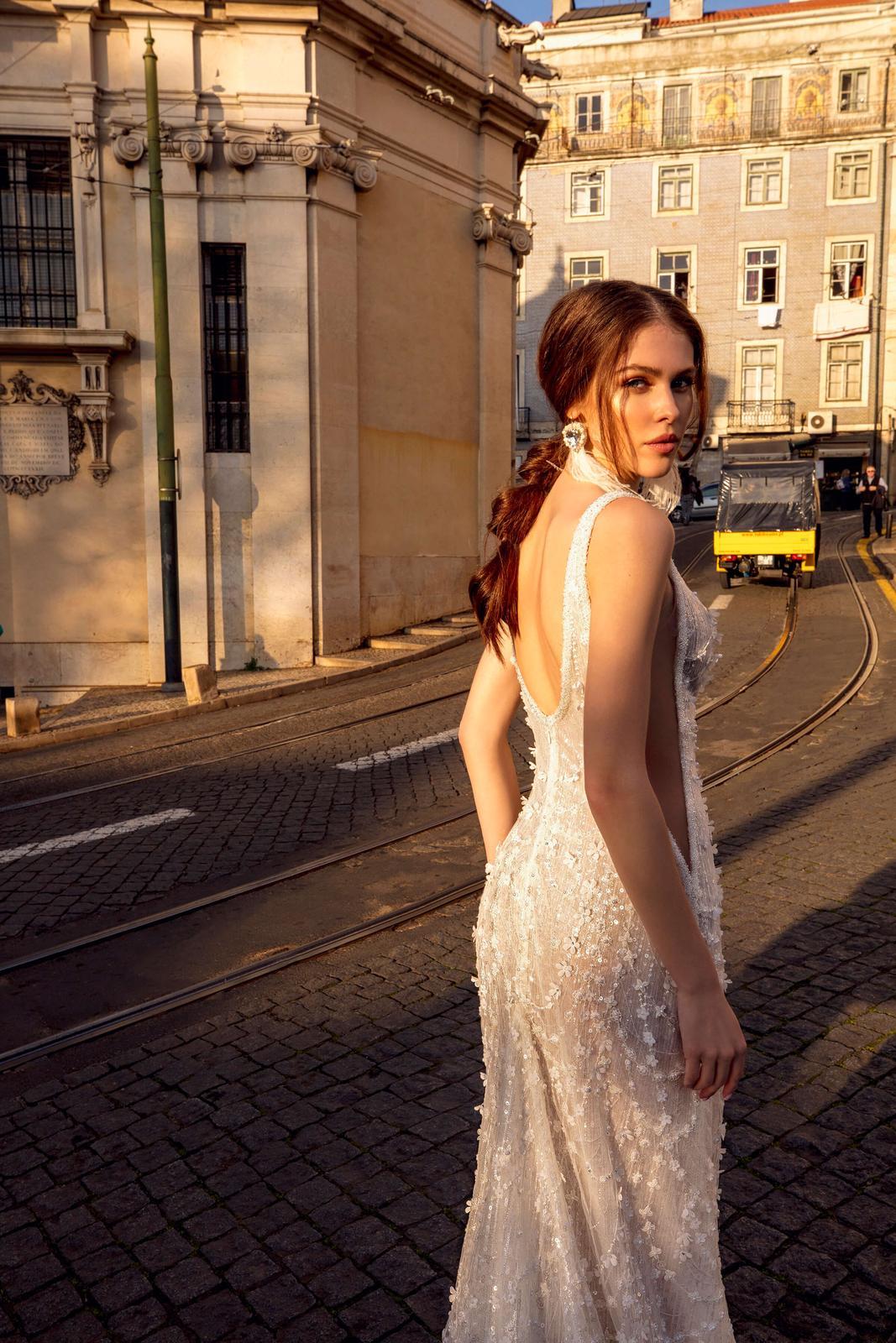 Innocentia Divina 2019 * Svadobné šaty z kolekcií na rok 2019 - Obrázok č. 35