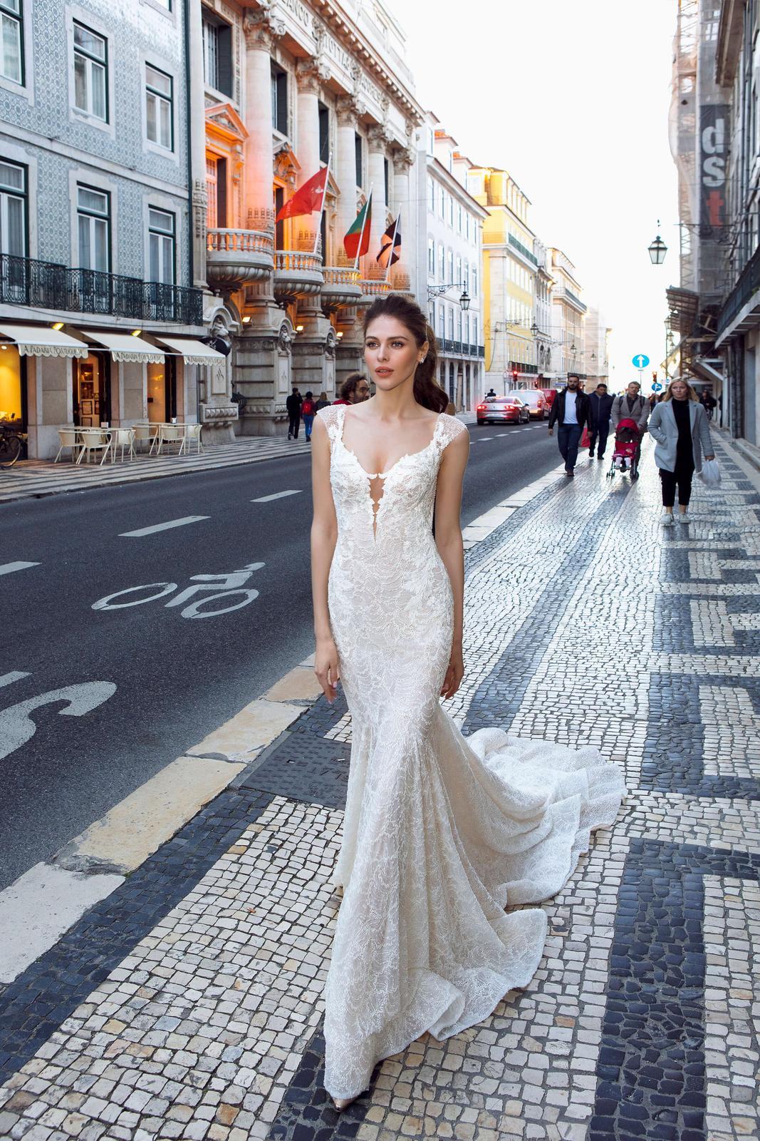 Innocentia Divina 2019 * Svadobné šaty z kolekcií na rok 2019 - Obrázok č. 37