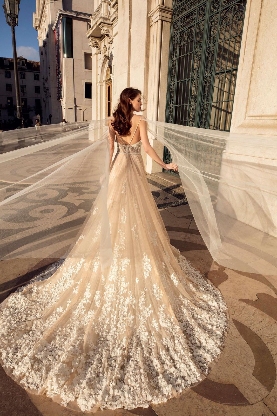 Innocentia Divina 2019 * Svadobné šaty z kolekcií na rok 2019 - Obrázok č. 66