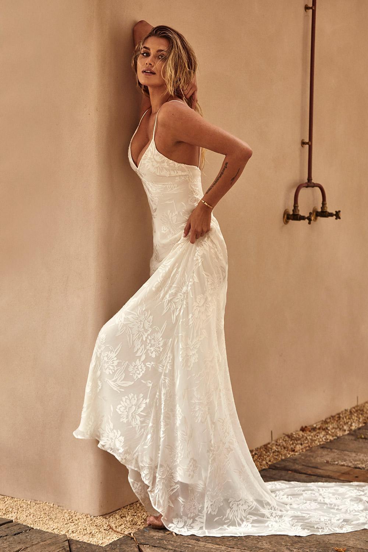 Svadobné šaty z kolekcií na rok 2020 - Obrázok č. 22