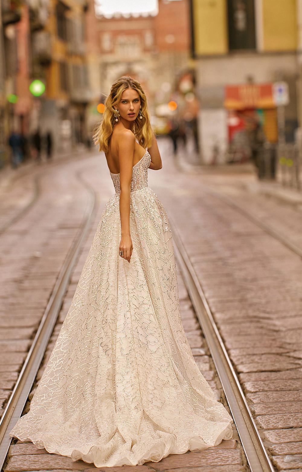 Svadobné šaty z kolekcií na rok 2020 - Obrázok č. 24
