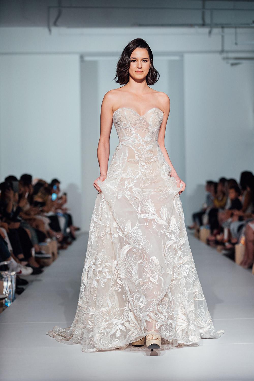 Svadobné šaty z kolekcií na rok 2020 - Obrázok č. 45