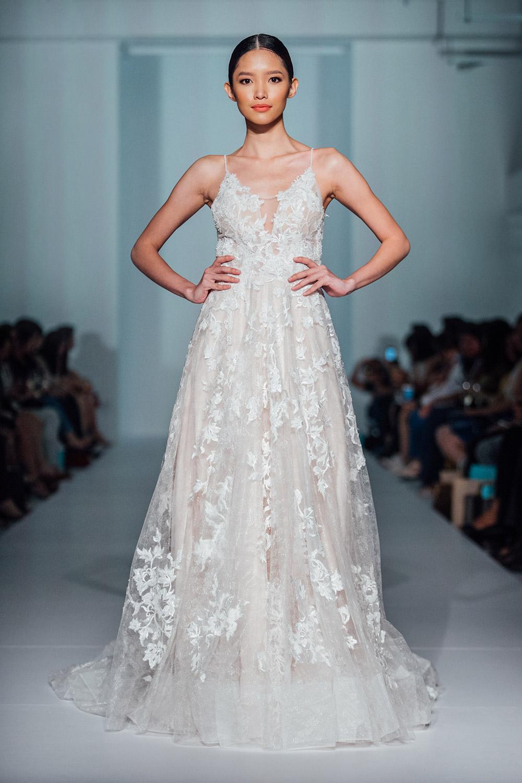 Svadobné šaty z kolekcií na rok 2020 - Obrázok č. 51