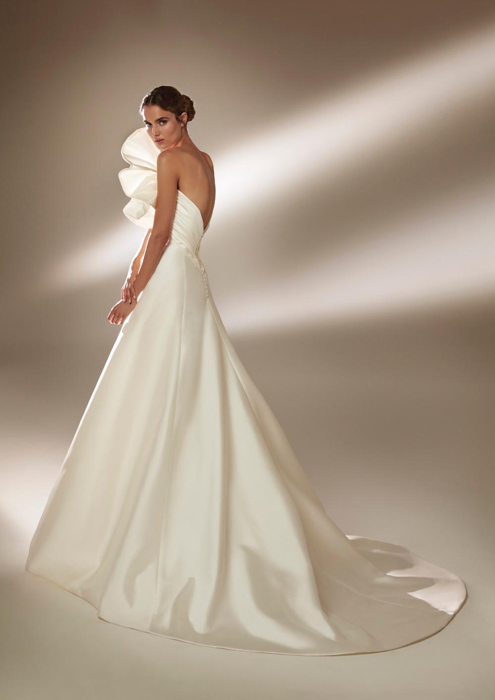 Atelier Pronovias * Svadobné šaty z kolekcie na 2021 - Obrázok č. 10