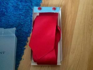 pro meho muzicka :-) manzetove knoflicky, kravata a kapesnicek do klopy je pod ni