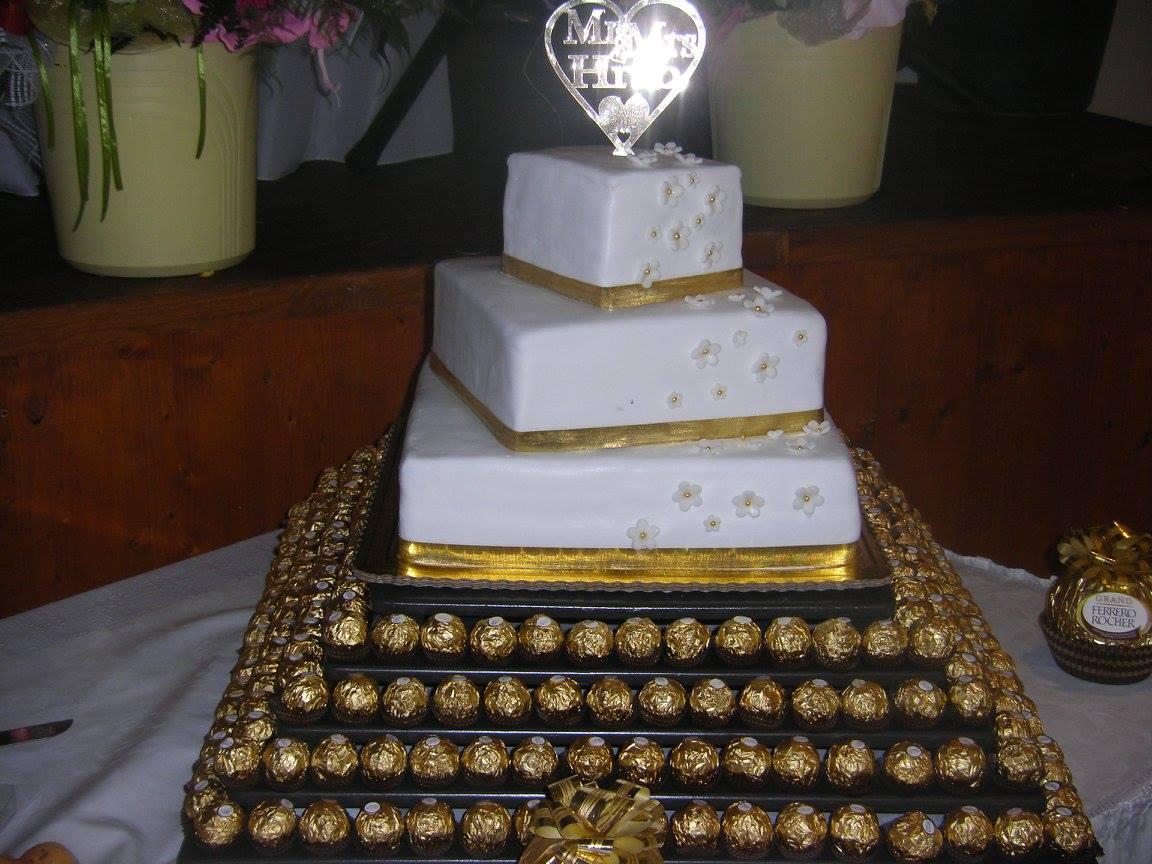 Stojan na svadobnu tortu - Obrázok č. 1