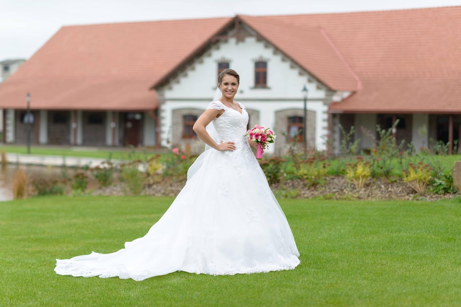 Princeznovské šaty s odopínateľnou vlečkou 36 - Obrázok č. 2