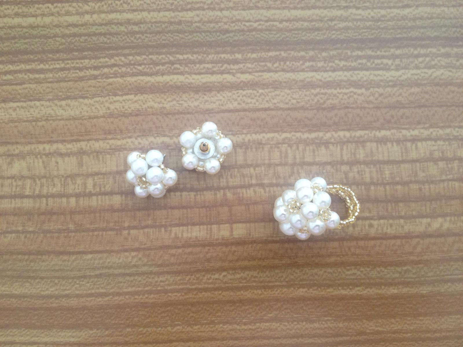 Biela perličková súprava - Obrázok č. 1