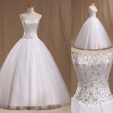 Zatím vítězné šaty :-) Prostě láska na první pohled ;-)