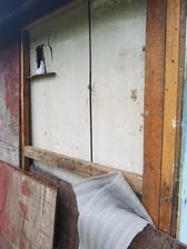 Odstrojenie plášťa zadnej steny a vybratie izolácie.... a rozhodovanie sa potom ako bude prebiehať rekonštrukcia