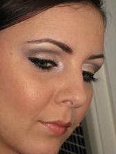 skuska make-upu...