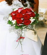 detail mojí svatební kytičky