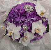 Karafiáty s orchideí