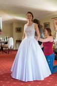 Svadobné šaty s vreckami na predaj, 38