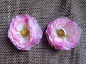 Květ umělý růžový,