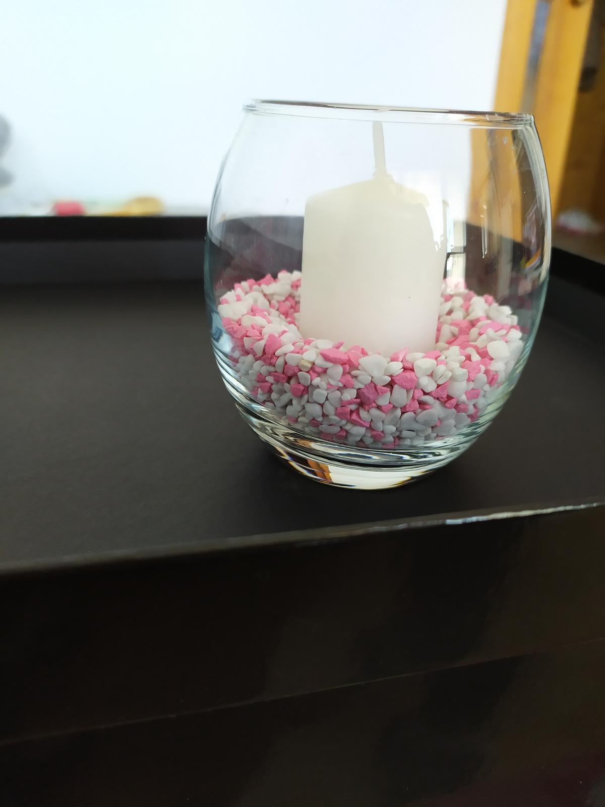 Biele sviečky so svietnikom - Obrázok č. 1