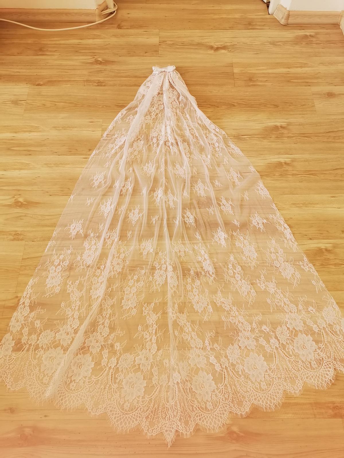 Biely čipkované dlhý zavoj - Obrázok č. 1