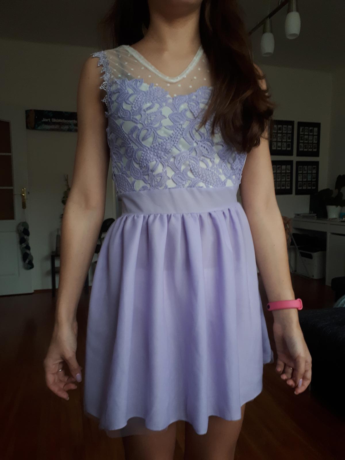 Světle fialové šaty - Obrázek č. 1