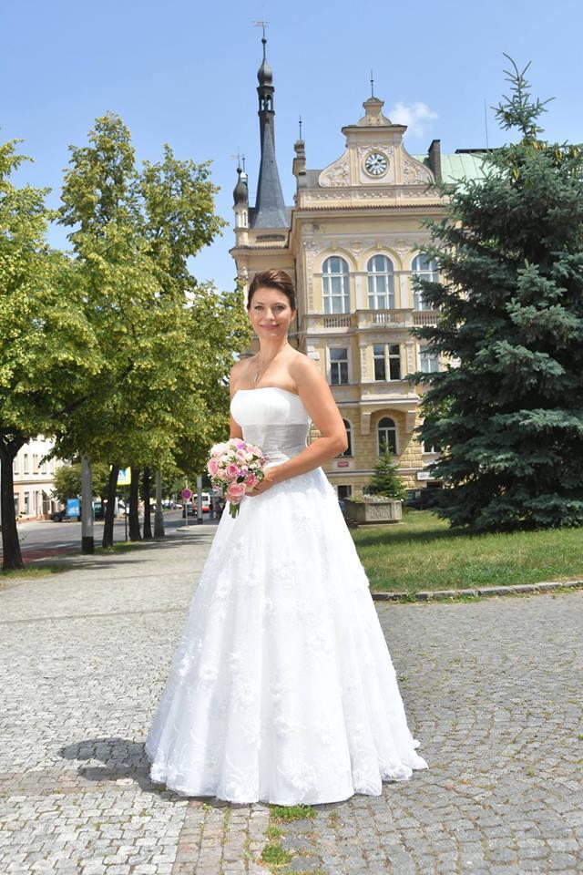 Svatební šaty Agnes, vzadu šněrování, vel. 36-40 - Obrázek č. 1