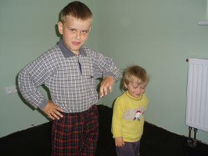 Luky a Eliška vo svojej izbe