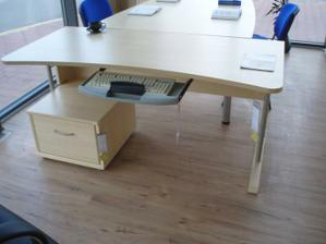 písací stol do detskej