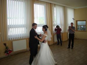 ......prvý manželský tanec.......