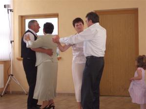 ......k nášmu tancu sa pridali aj svadobní rodičia.......